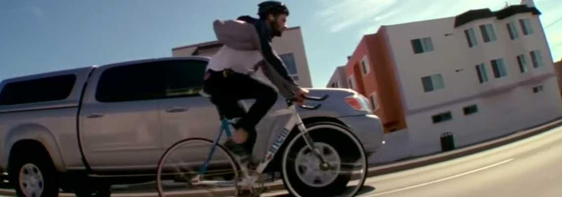 Macaframa: 58 minutos de bike, música e paisagens para você curtir numa boa