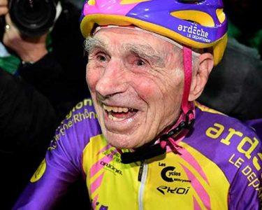 105-anos-hero