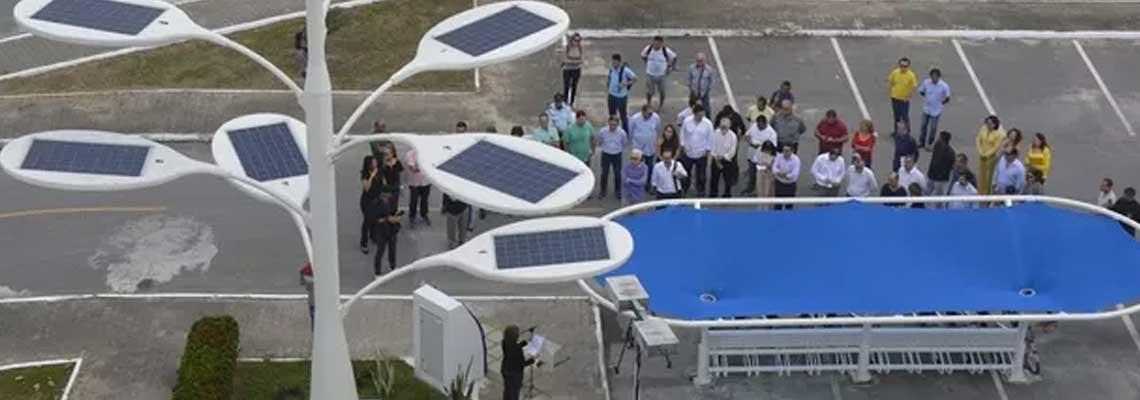 """""""Árvore Solar"""" gera energia para bicicletas no Ceará"""