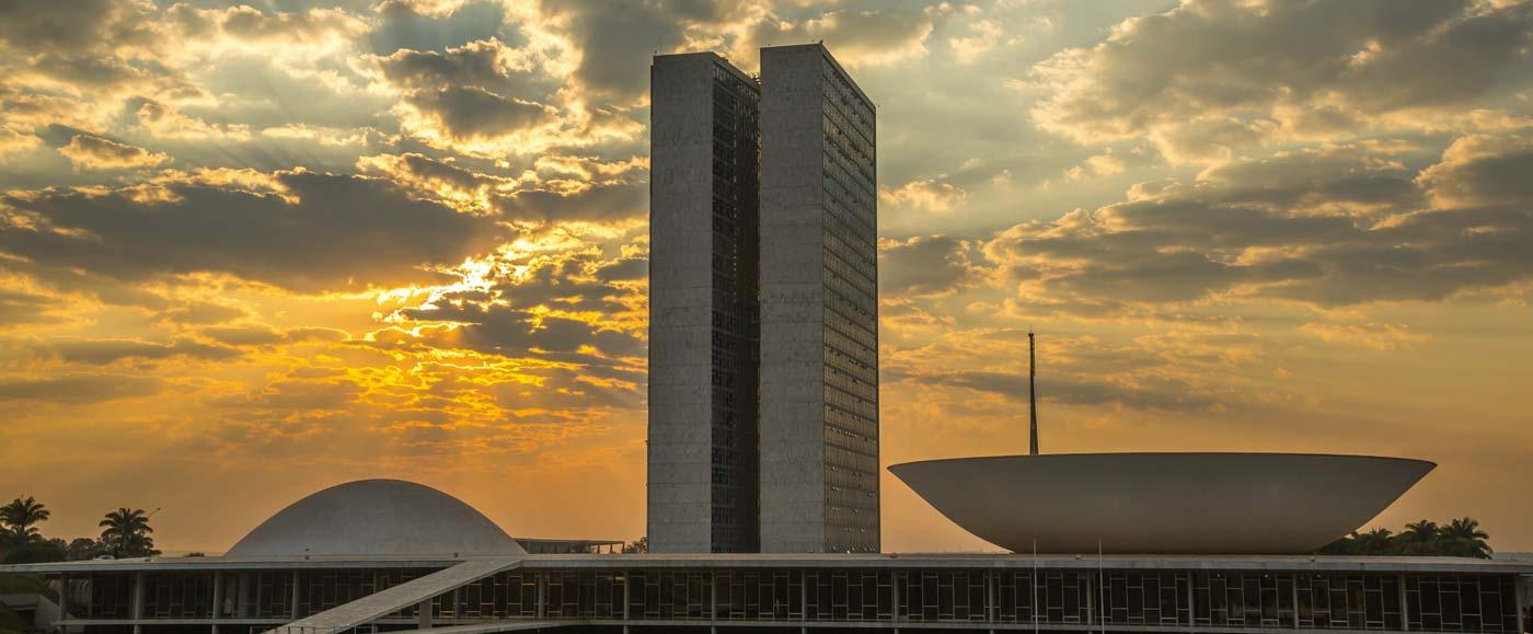 Criada para carros, Brasília quer andar de bike