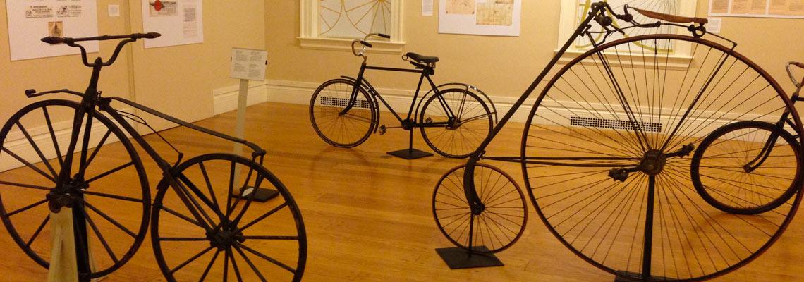 Pedalando (nem sempre) pela história: como surgiu a bicicleta
