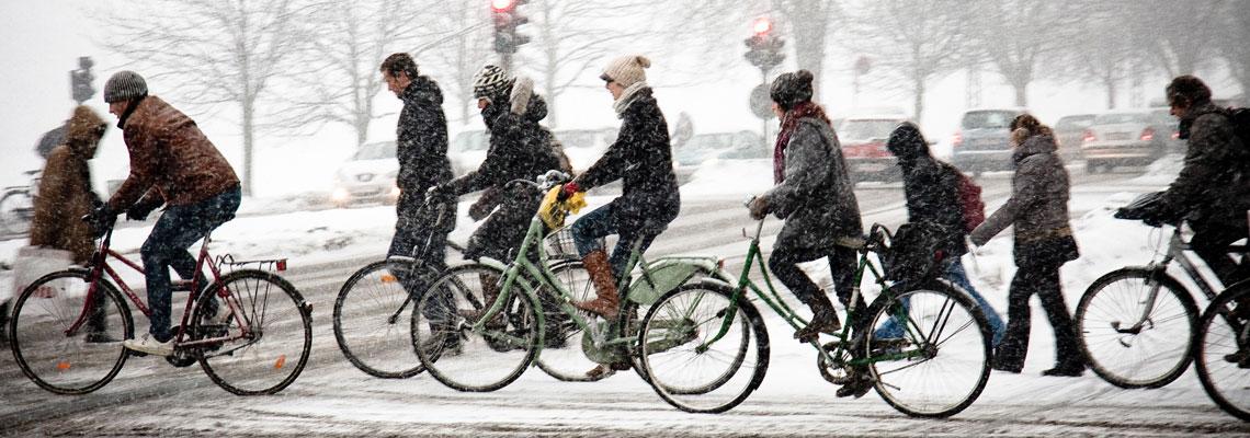 Saiba como enfrentar o frio pedalando sua bike