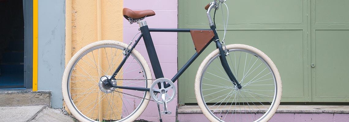 Vela lança a bicicleta elétrica mais leve do Brasil