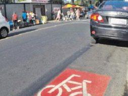 Por desrespeito às ciclofaixas, Salvador multa mais de 150 carros por mês